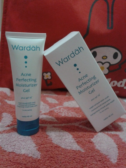wardah acne perfecting moisturizer gel